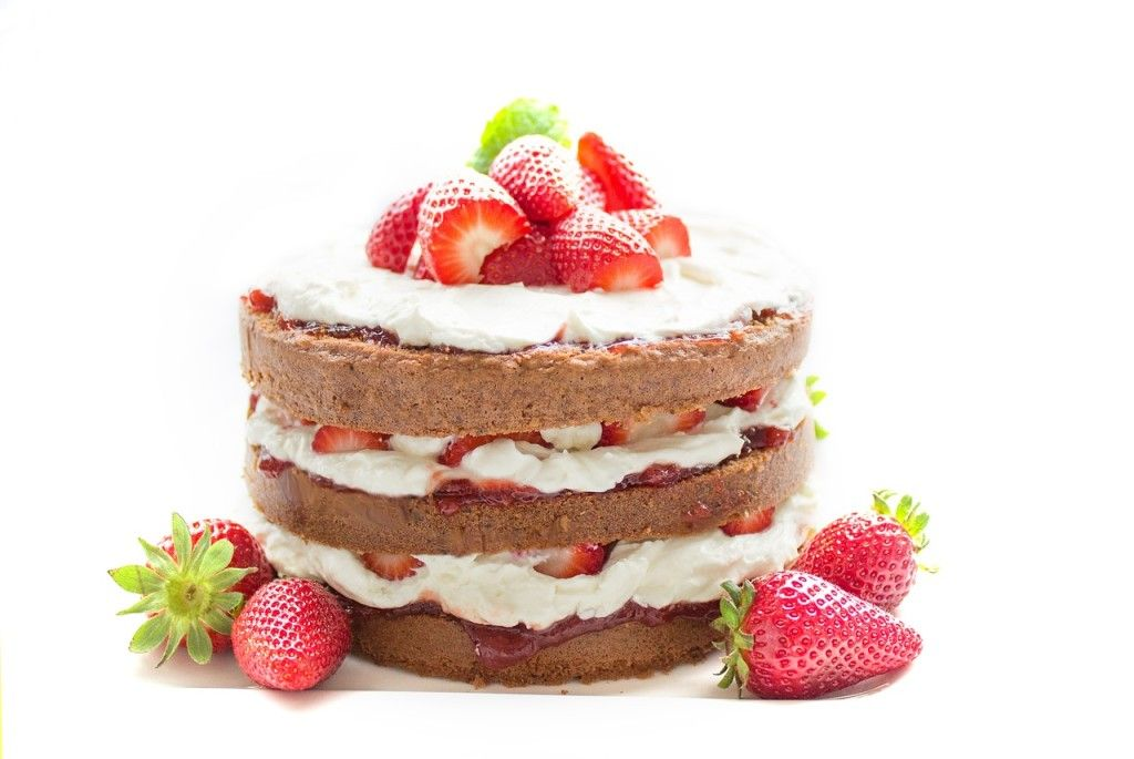 torta con panna e fragole i programmi di cucina