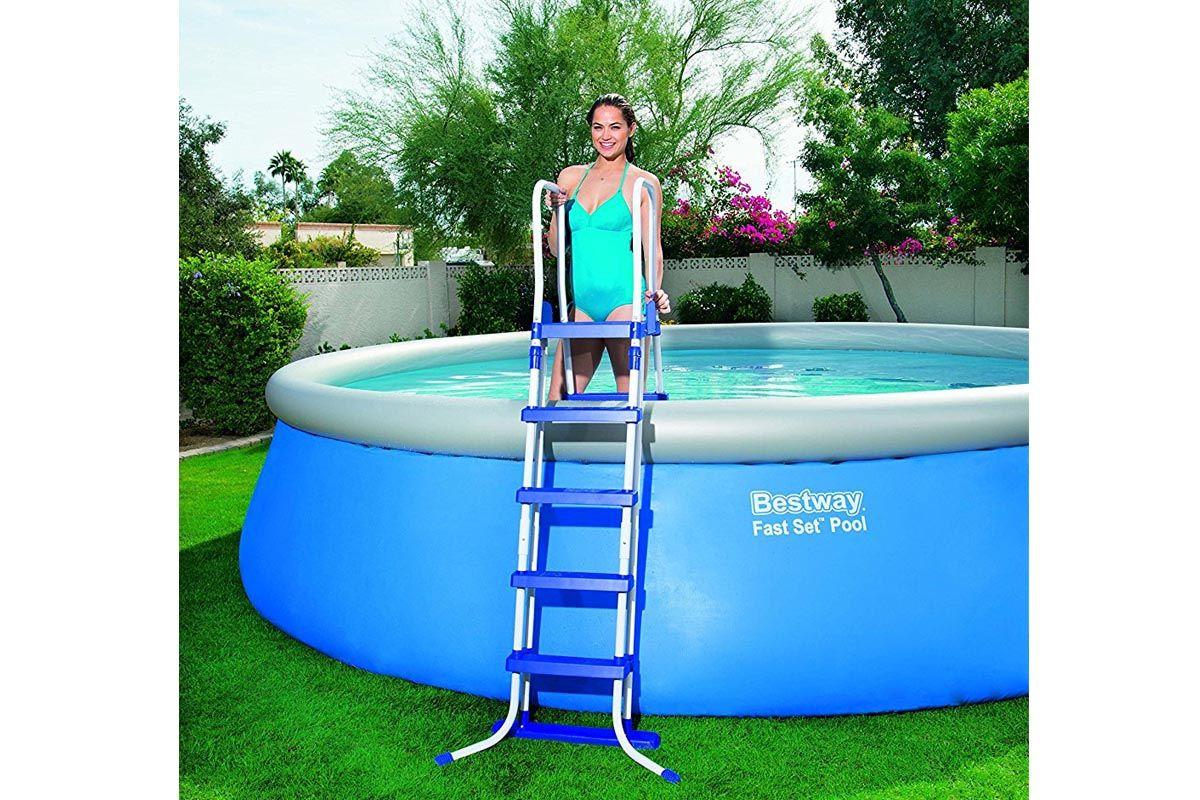 La migliore piscina fuori terra del 2019 ecco quale scegliere - Scaletta per piscina fuori terra ...