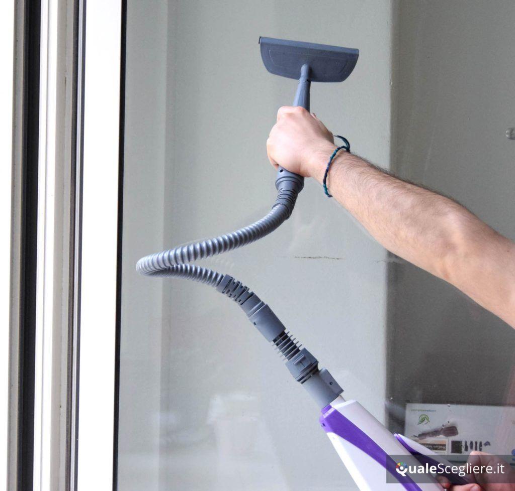 Polti Vaporetto SV 440 Double pratica pulizia a vapore su vetri