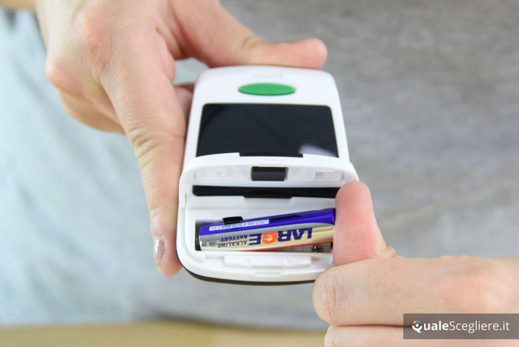 Medisana 79457 PM 150 Connect inserimento batteria