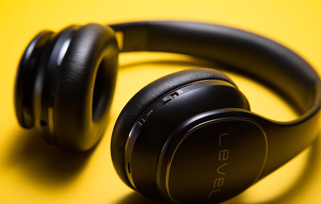 Collegare le cuffie Bluetooth con ricevitore Una volta connesso al PC ... 4388ec123020