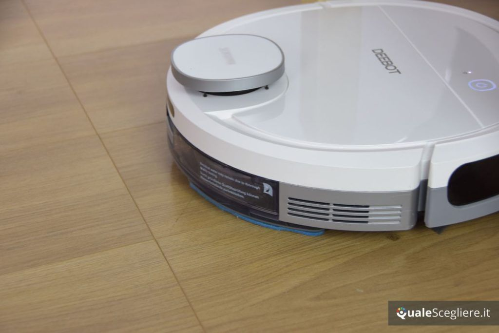 Ecovacs Robotics Deebot OZMO 900 lavaggio