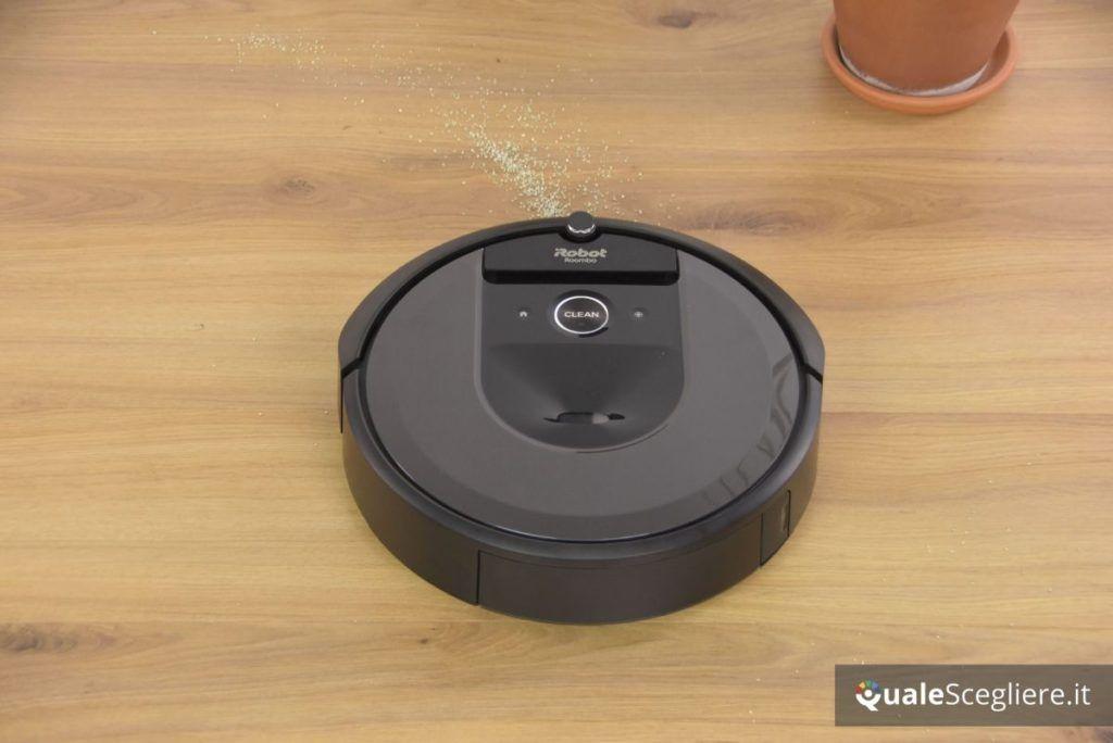 iRobot Roomba i7+ su laminato