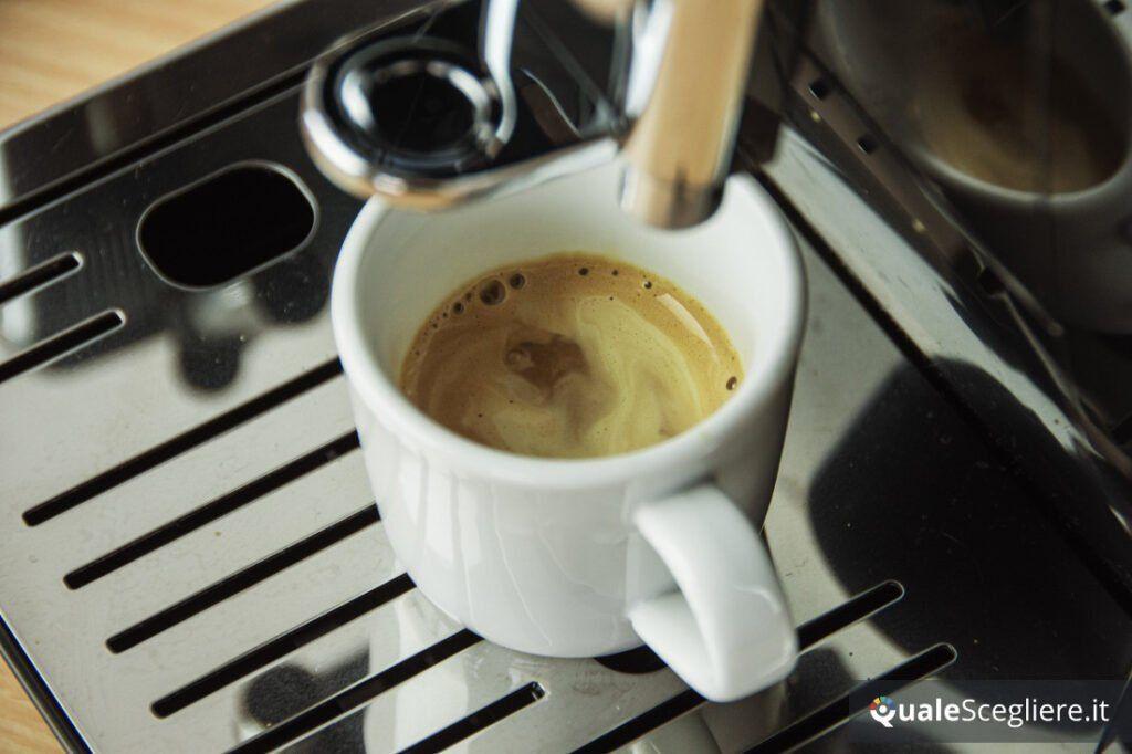 De'Longhi Dinamica Aroma Bar ECAM359.53 espresso