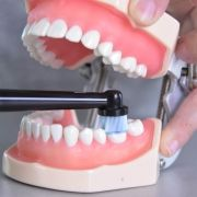 Oral-B_Pro_2_2500_CrossAction_22